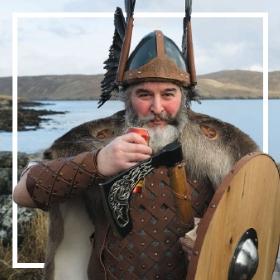 Acheter en ligne les costumes vikings et barbares les plus originaux de Carnaval