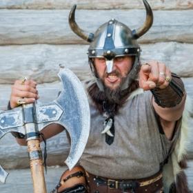 Costumes vikings pour fêtes et Carnaval