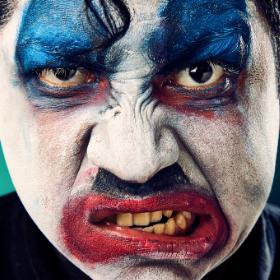 Maquillage professionnel pour caractérisation Halloween
