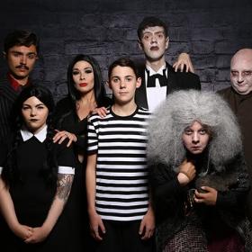Déguisements La Famille Addams pour Halloween et fête terreur