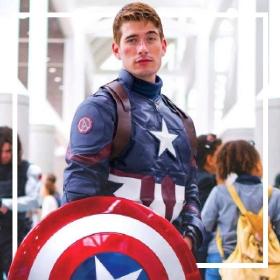 Achetez en ligne les costumes super héros les plus originaux pour hommes et femmes